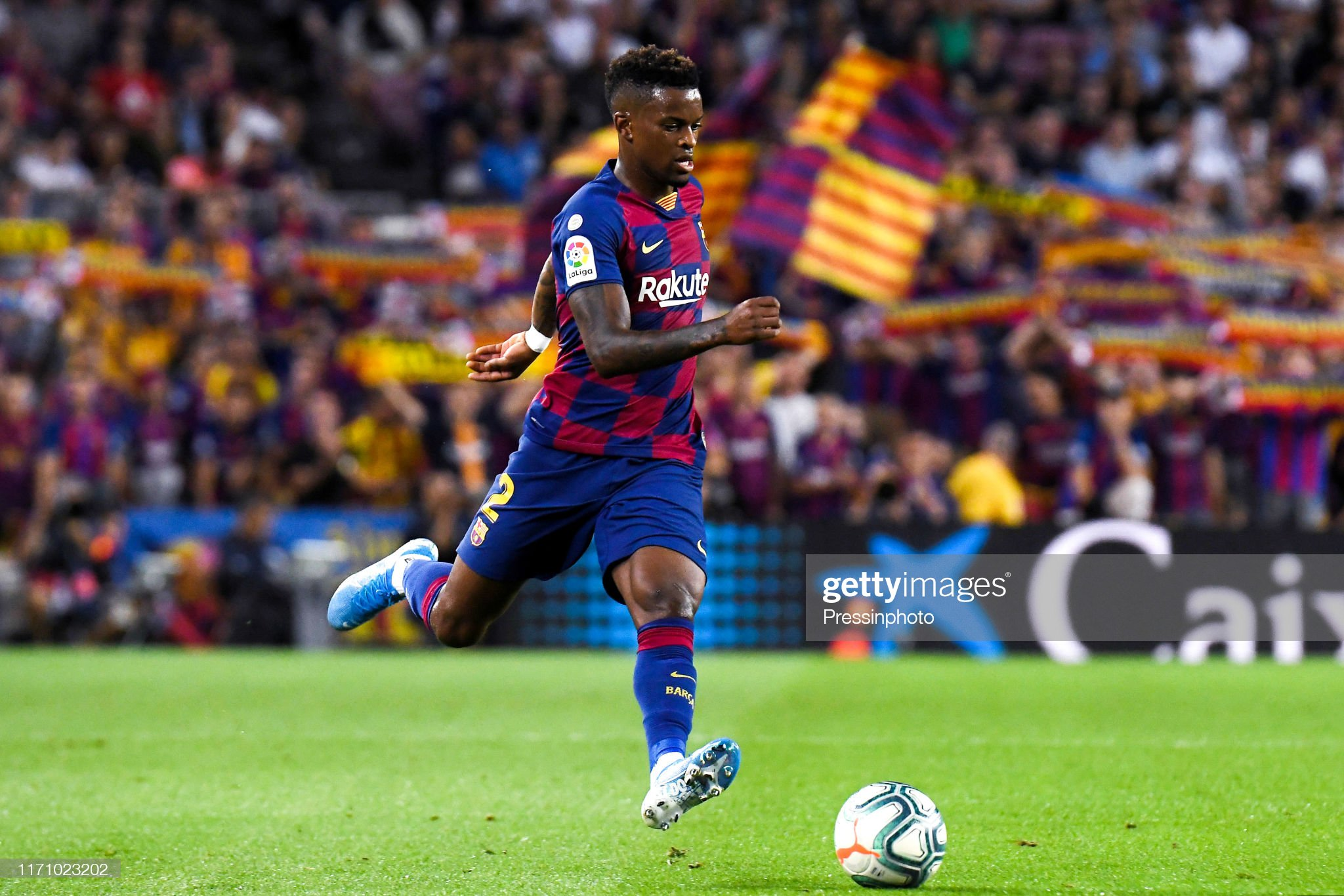 صور مباراة : برشلونة - فياريال 2-1 ( 24-09-2019 )  Nelson-semedo-of-fc-barcelona-during-the-liga-match-between-barcelona-picture-id1171023202?s=2048x2048