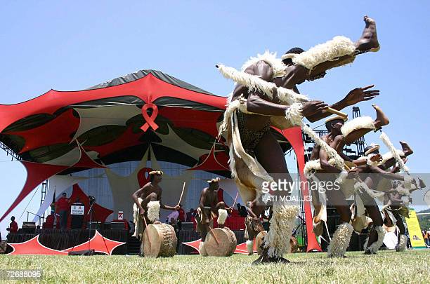 Nelspruit, SOUTH AFRICA: Zulu dancers perform during World AIDS day, 01 December 2006, at Kwa Nyamazane stadium in Nelspruit, South Africa. South...