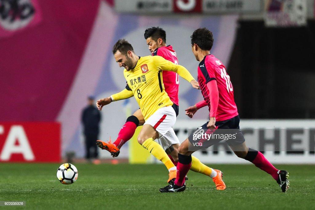 Nemanja Gudelj #8 of Guangzhou Evergrande controls the ball during the AFC Champions League Group G match between Cerezo Osaka and Guangzhou Evergrande at the Yanmar Stadium Nagai on February 21, 2018 in Osaka, Japan.