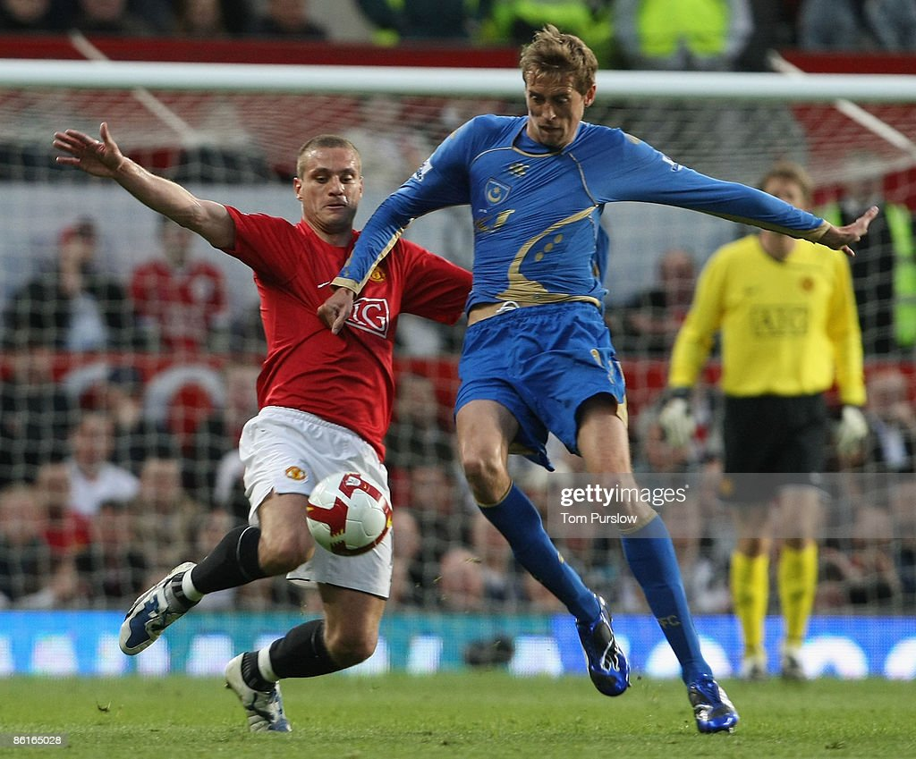 Manchester United v Portsmouth : News Photo