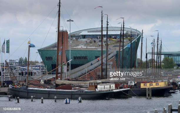 Nemo Science Center Museumshafen Oosterdok Amsterdam Niederlande