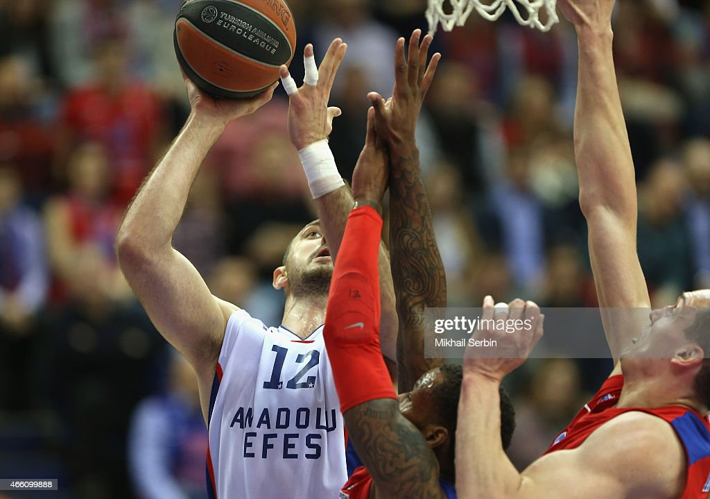 CSKA Moscow v Anadolu Efes Istanbul - Turkish Airlines Euroleague Top 16