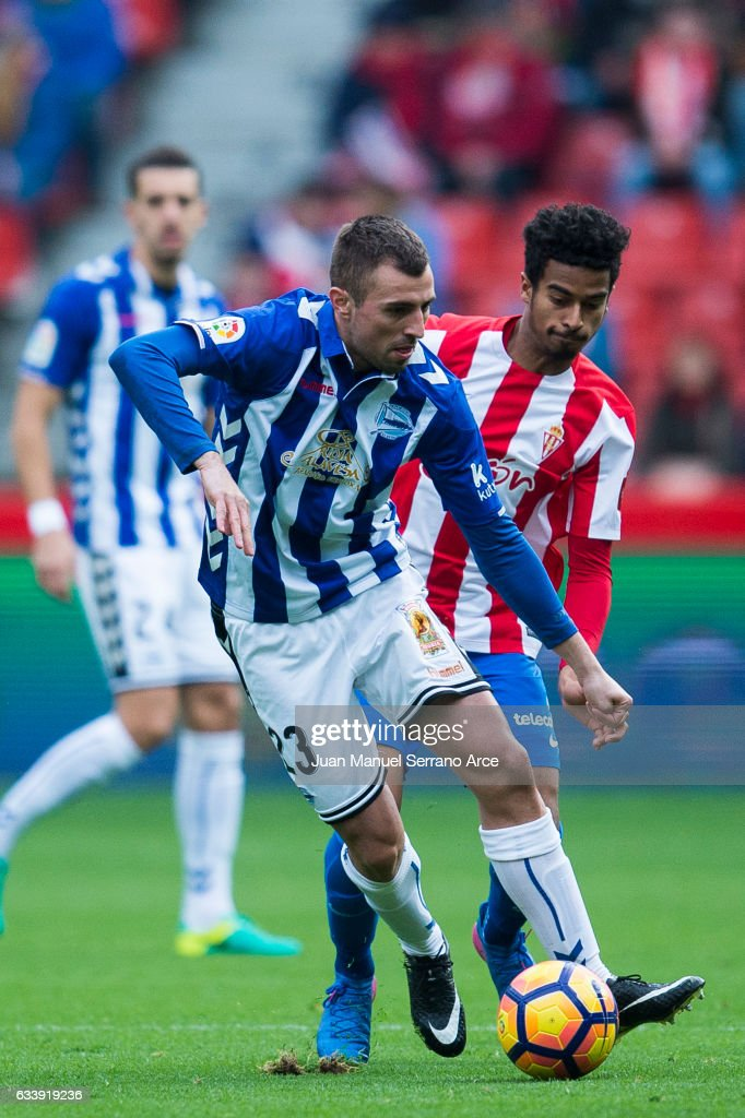 Real Sporting de Gijon v Deportivo Alaves - La Liga