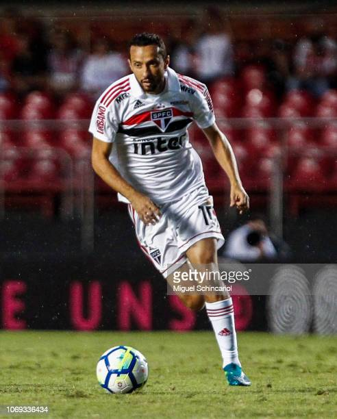 Nene of Sao Paulo controls the ball during a match between Sao Paulo and Cruzeiro for the Brasileirao Series A 2018 at at Morumbi Stadium on November...