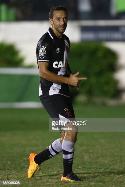 Nene of Vasco celebrates a scored goal against Fluminense during a match between Vasco and Fluminense part of Brasileirao Series A 2017 at Sao...