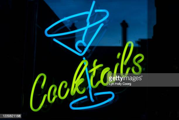 neon cocktail sign - lyn holly coorg stock pictures, royalty-free photos & images