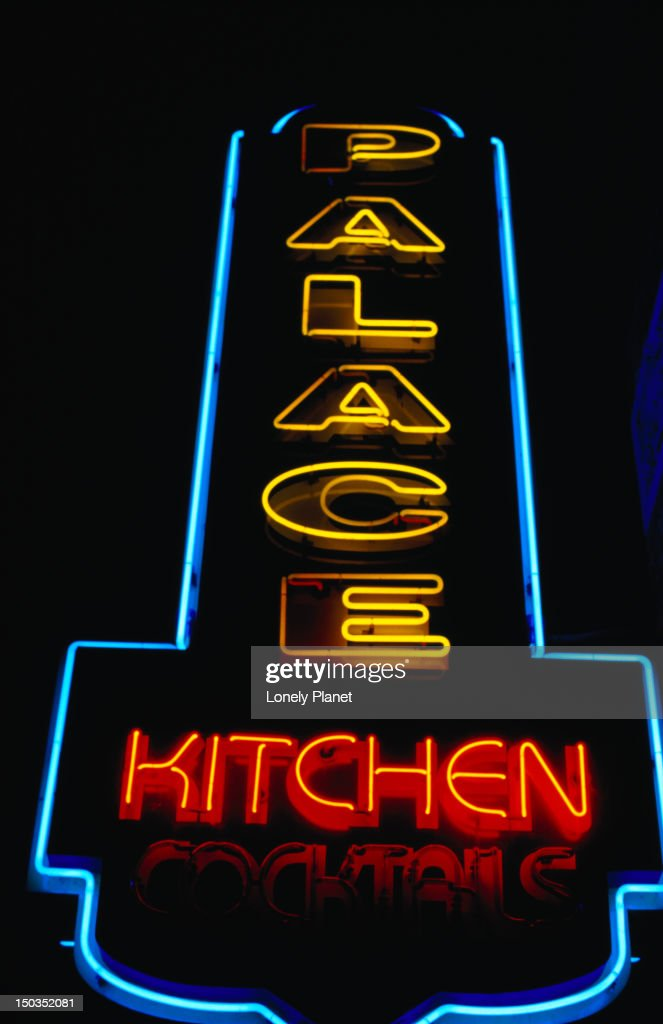 Neon Sign For The Palace Kitchen And Cocktails Stock Foto Getty Images