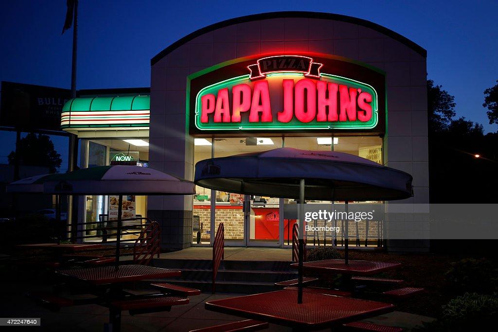 A Papa John's International Inc. Location Ahead Of Earnings Data : News Photo