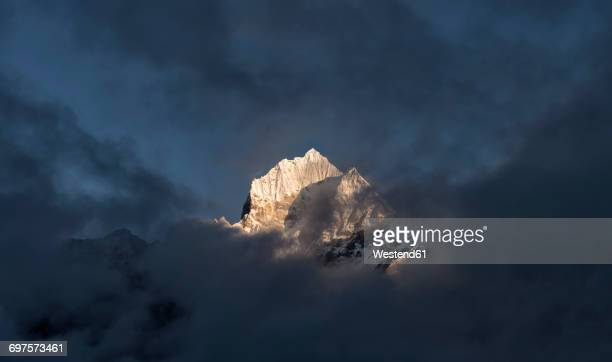 nepal, himalaya, khumbu, ama dablam - appearance stock photos and pictures