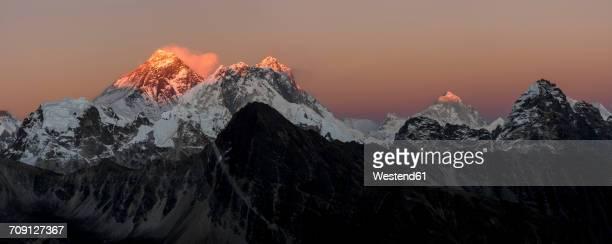 Nepal, Himalaya, Khumbu, Everest region, sunset on Everest and Nuptse