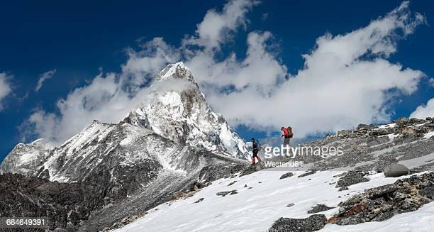 Nepal, Himalaya, Solo Khumbu, Ama Dablam, two men trekking