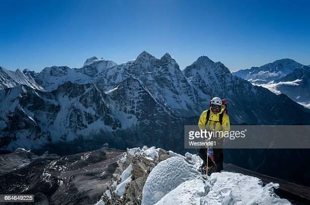 Nepal, Himalaya, Solo Khumbu, mountaineer at Ama Dablam South West Ridge