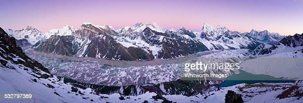 nepal himalayas gokyo ri twilight view - gokyo lake stock pictures, royalty-free photos & images