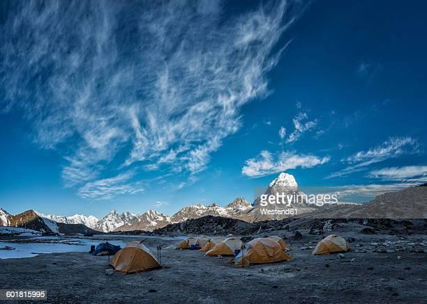nepal, himalayas, khumbu, everest region, ama dablam base camp - base camp stock pictures, royalty-free photos & images