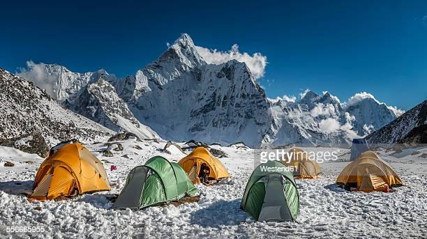 nepal, khumbu, everest region, ama dablam from high camp on pokalde peak - base camp stock pictures, royalty-free photos & images