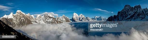 nepal, khumbu, everest region, everest range from gokyo ri peak, panorama - gokyo ri ストックフォトと画像