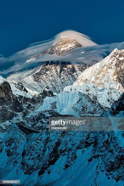 nepal, khumbu, everest region, mount everest from gokyo ri peak - gokyo ri ストックフォトと画像