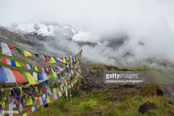 nepal mountains - annapurna conservation area stock photos and pictures