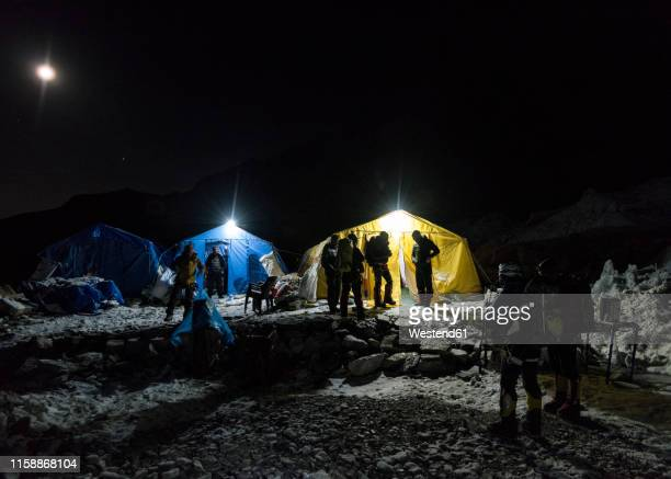 nepal, solo khumbu, everest base camp at night - base camp stock pictures, royalty-free photos & images