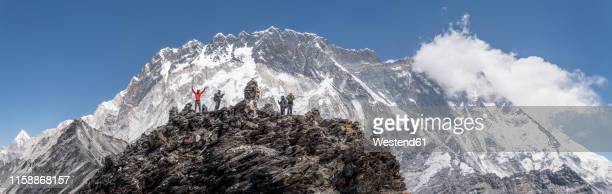 nepal, solo khumbu, everest, group of mountaineers at chukkung ri - nepal stock pictures, royalty-free photos & images