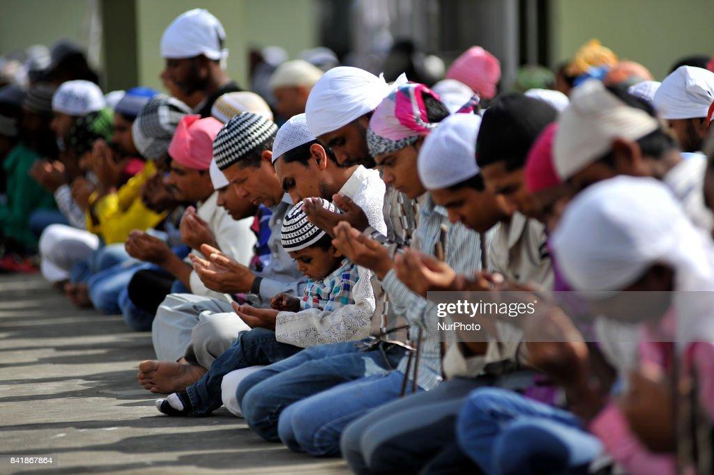 Nepalese Muslim celebrate Eid al-Adha or Bakra Eid in Kathmandu : News Photo