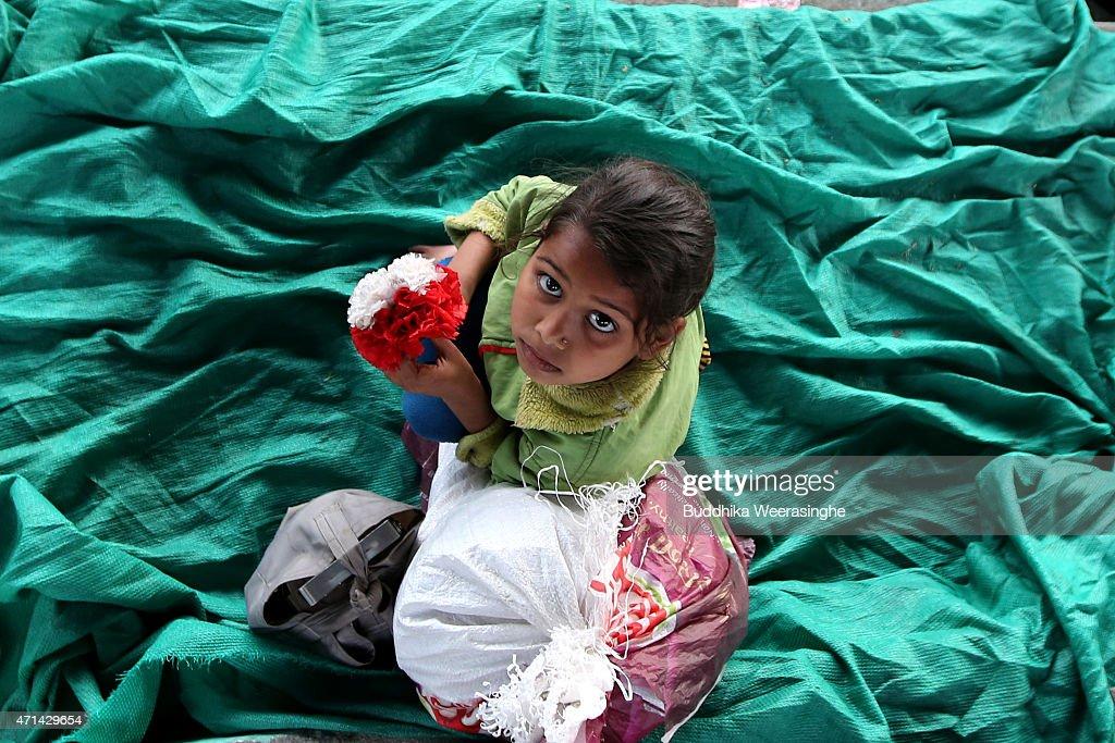 Death Toll Reaches 4000 Following Devastating Nepal Earthquake : News Photo