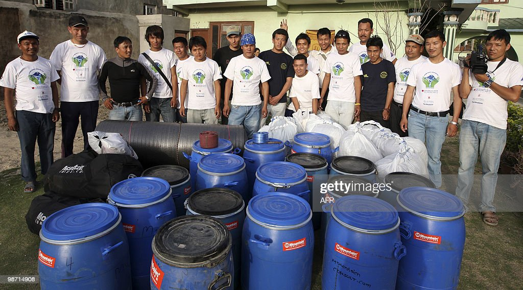 TO GO WITH Nepal-Everest-Environment-Pol : News Photo