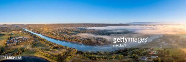 río nepean, penrith nsw, australia - penrith fotografías e imágenes de stock