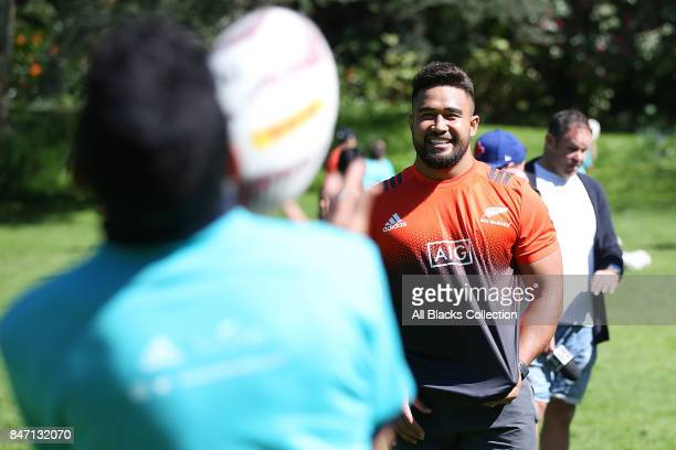 Nepo Laulala of the All Blacks trains with students during a meet and greet with the Governor General at Government House on September 15 2017 in...