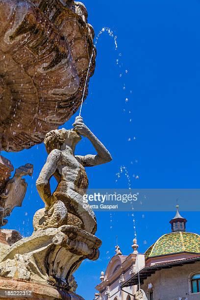 neptune fountain, trento - greek mythology stock pictures, royalty-free photos & images