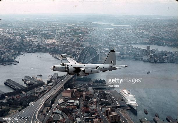 raaf neptune over sydney harbour, march 1965 - オーストラリア軍 ストックフォトと画像