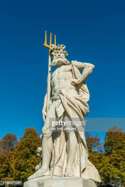 neptune avec le trident - dieu photos et images de collection