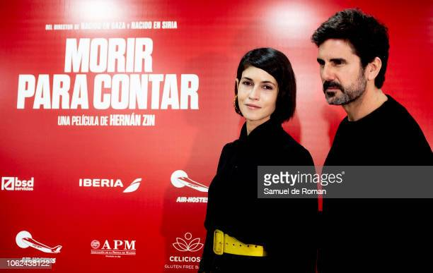 Nerea Barros and Hernan Zin attend during Morir Para Contar' Madrid Photocall on November 16 2018 in Madrid Spain