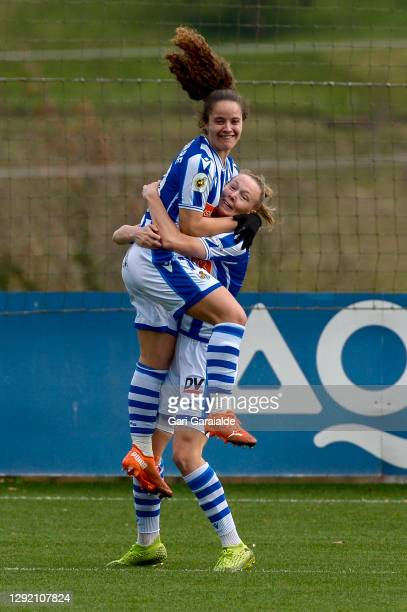 Nerea Eizagirre and Sanni Franssi of Real Sociedad celebrate scoring a goal during the Primera Division Femenina match between Real Sociedad and...