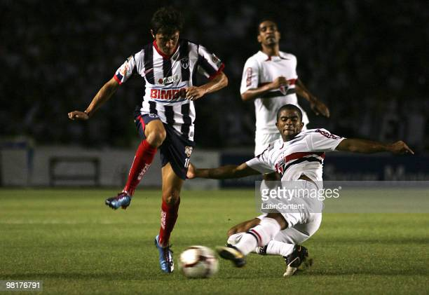 Neri Cardozo of Mexico's Monterrey fights for the ball with Alex Silva of Brazil's Sao Paulo FC during a 2010 Libertadores Cup soccer match between...