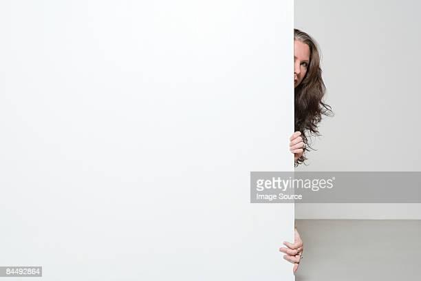 nervous woman - actriz fotografías e imágenes de stock