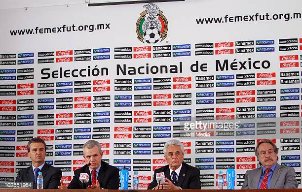 Nestor de la Torre Javier Aguirre Justino Compean and Decio de Maria during a press conference to announce that Aguirre will step down from his job...