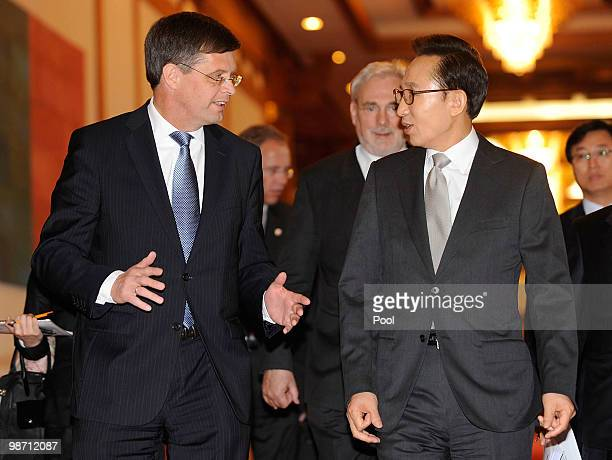 Netherands Prime Minister Jan Peter Balkenende talks with South Korean President Lee MyungBak prior to the summit meeting at presidential house on...