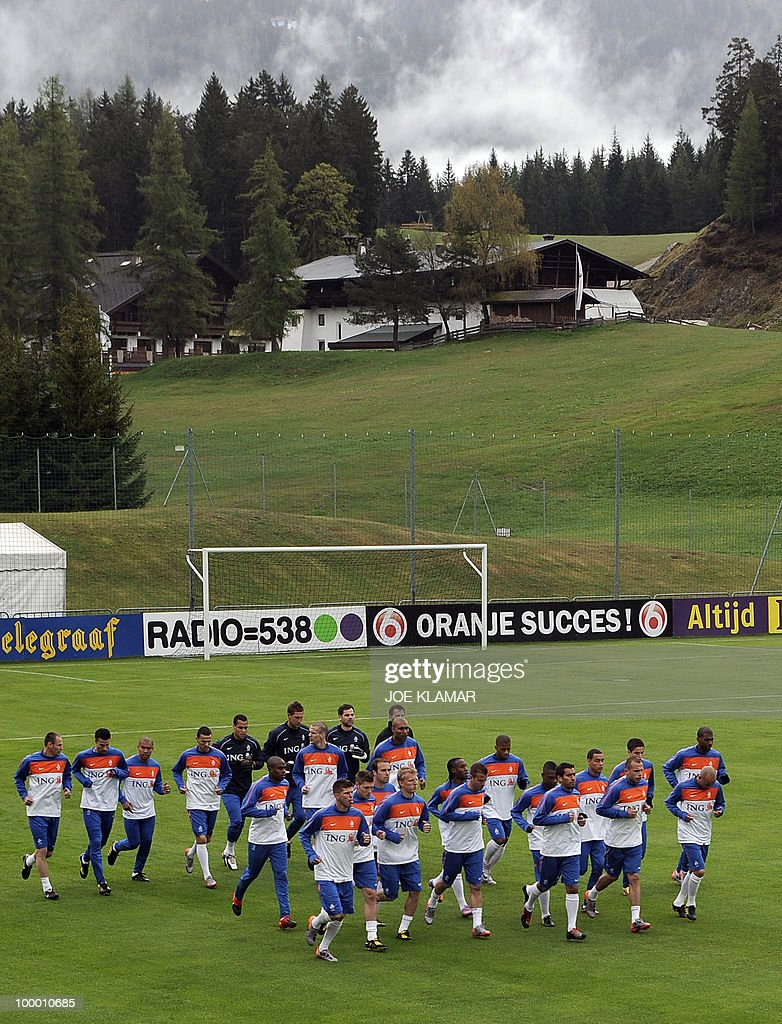 Netherland football team players train during their first practice session at their training camp in Tyrolian village of Seefeld in Austria on May 20, 2010 prior to the FIFA World Cup 2010 in South Africa.