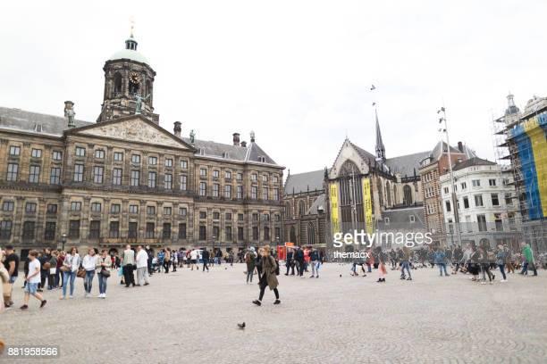 nederland, amsterdam - dam square - vierkant tweedimensionale vorm stockfoto's en -beelden