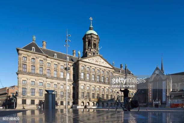 netherlands, amsterdam, royal palace on dam square - royal palace amsterdam stock pictures, royalty-free photos & images