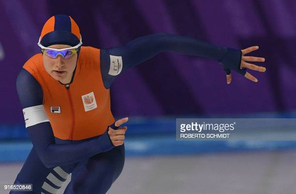 Netherland's Carlijn Achtereekte competes in the women's 3,000m speed skating event during the Pyeongchang 2018 Winter Olympic Games at the Gangneung...
