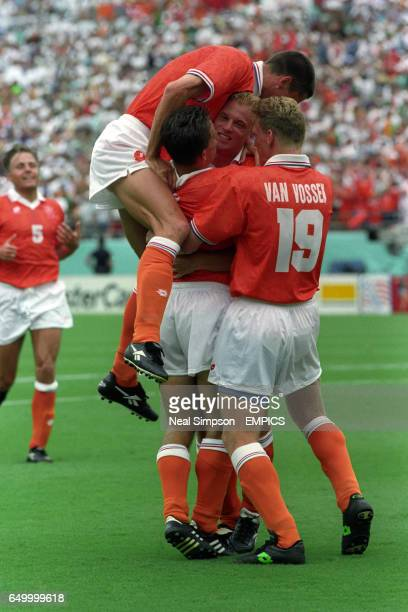Netherlands celebrate after Dennis Bergkamp's goal against Eire