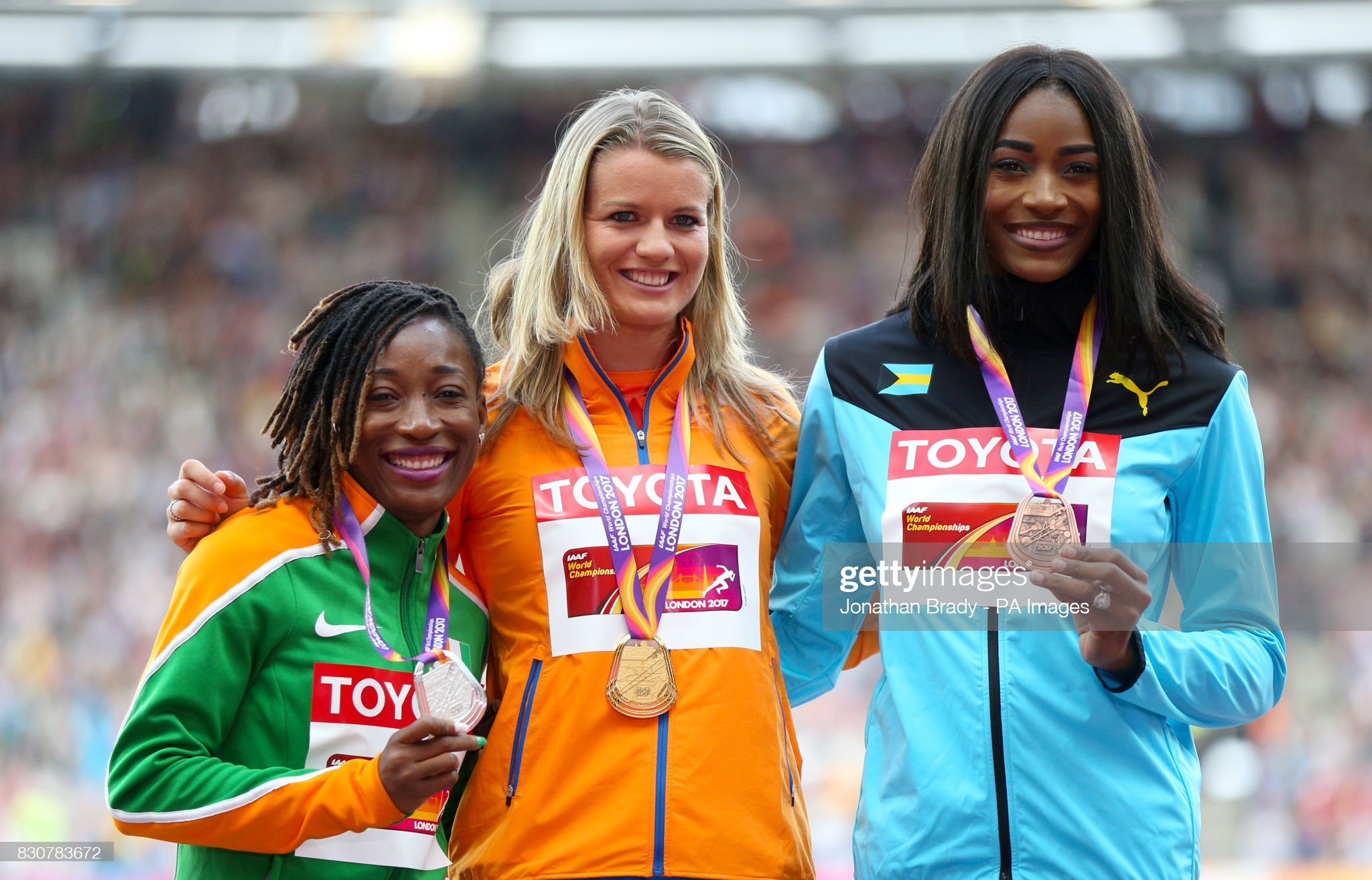 ¿Cuánto mide Shaunae Miller-Uibo? - Real height Netherlands-dafne-schippers-celebrates-with-the-gold-medal-ivory-ta-picture-id830783672?s=2048x2048