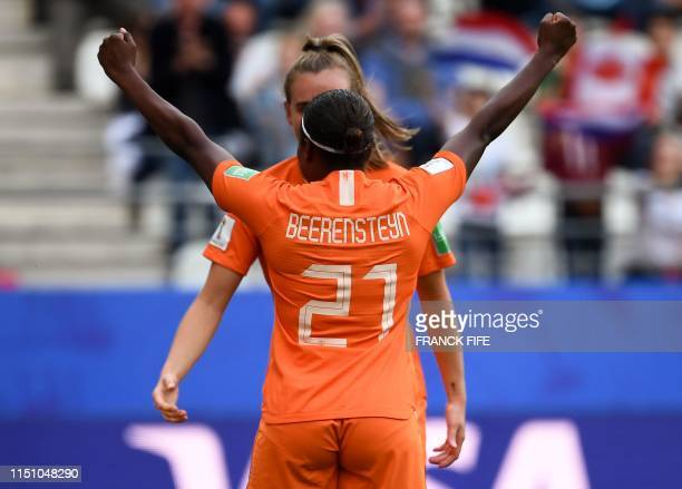 TOPSHOT Netherlands' forward Lineth Beerensteyn celebrates scoring her team's second goal during the France 2019 Women's World Cup Group E football...