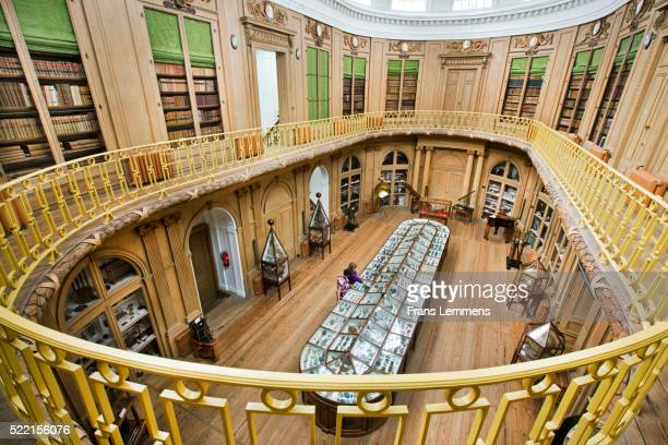 netherlands, haarlem, teylers museum. oval room - haarlem fotografías e imágenes de stock