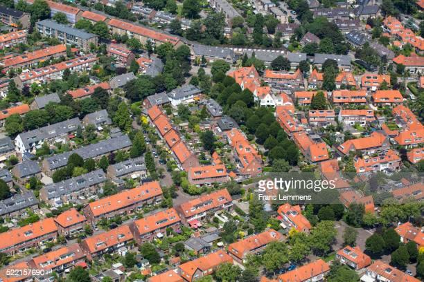netherlands, hilversum, residential area - hilversum stock-fotos und bilder