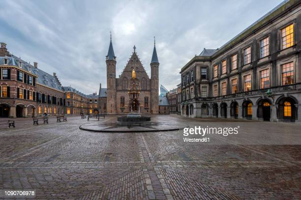 netherlands, holland, the hague, binnenhof - 中庭 ストックフォトと画像