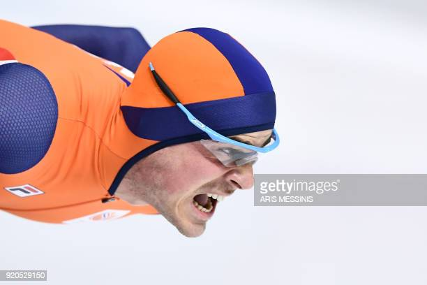 Netherlands' Jan Smeekens competes in the men's 500m speed skating event during the Pyeongchang 2018 Winter Olympic Games at the Gangneung Oval in...