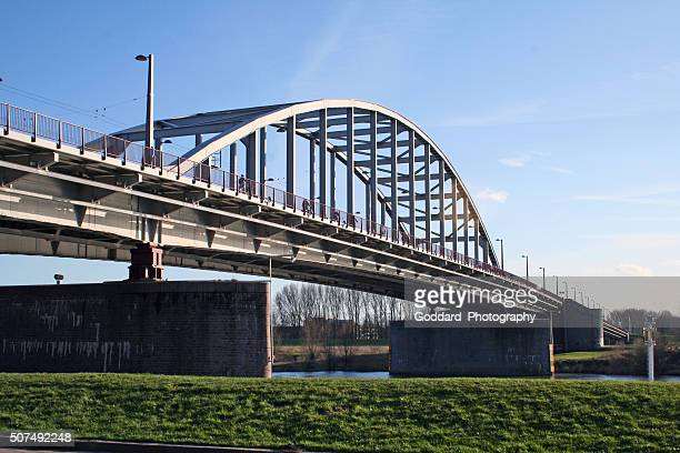 netherlands: john frost bridge (john frostbrug) in arnhem - arnhem stockfoto's en -beelden
